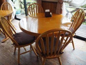 長瀞のカフェ山茶花の席