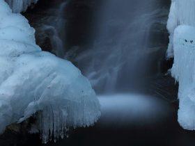 秩父の氷瀑 不動滝 ひょうばく