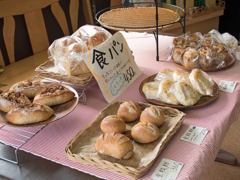 皆野のパン屋COCOのハード系パン