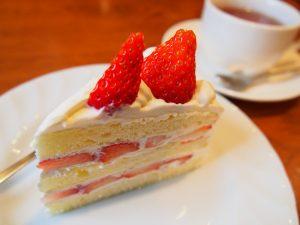 秩父のカフェカカリアの手作りショートケーキ