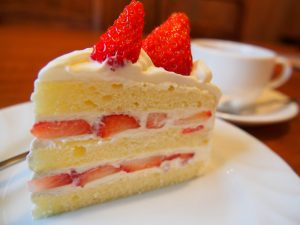 カカリアのショートケーキはボリュームたっぷり