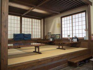 長瀞のそば楓庵の座敷席