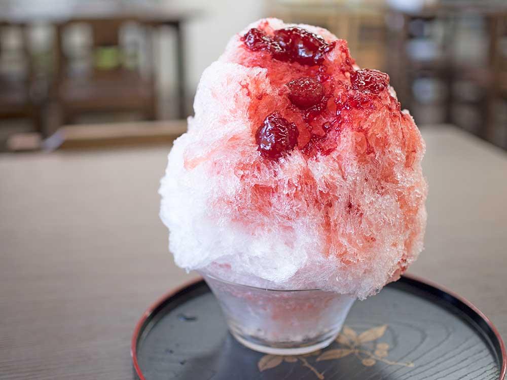 長瀞の楓庵の苺シロップかき氷
