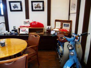 Moto Green Cafe 店内のインテリア2