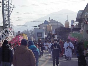 山田の春祭り 行列
