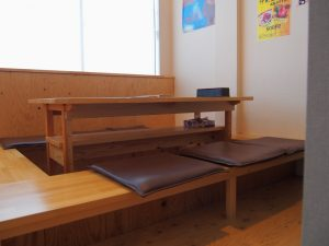 キッチンけん玉の半個室席右側