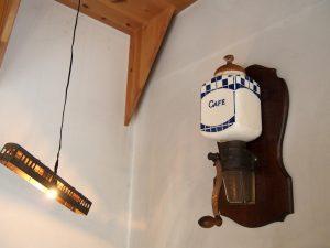 ジェラテリアHANA 店内のランプ